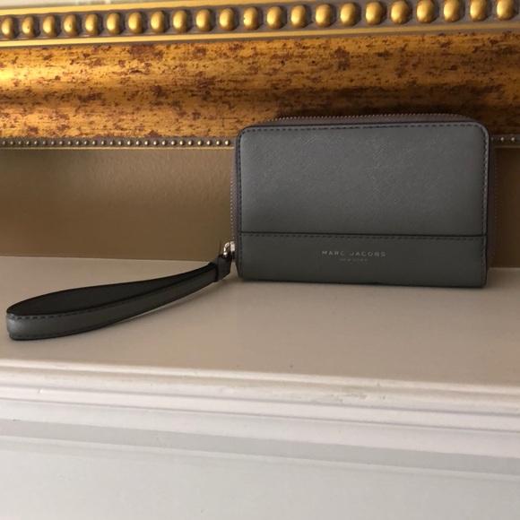 Marc Jacobs Handbags - Marc Jacobs wallet